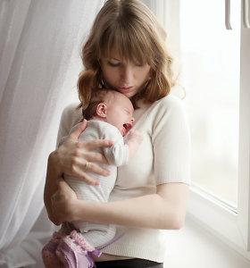 Dirbančios mamos gauna mažiau pinigų – valdžia pripažino reformos klaidą