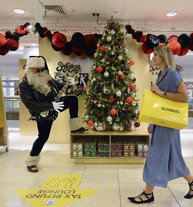 Likus 145 dienoms iki žiemos švenčių, Londone atsidarė kalėdinė parduotuvė