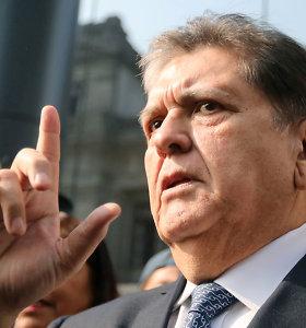 Sau į galvą iššovęs buvęs Peru prezidentas Alanas Garcia mirė