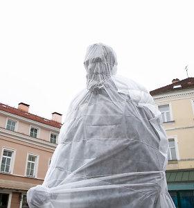 Pamatykite pirmieji: J.Basanavičiaus paminklas jau pastatytas aikštėje