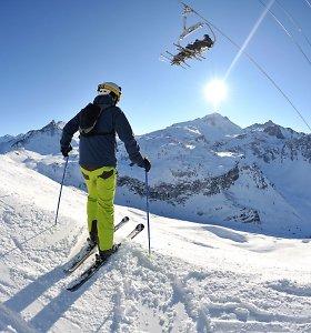 Prancūzija planuoja leisti slidinėjimo kurortams atsidaryti, tačiau su apribojimais