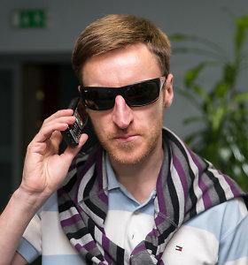 """15 metų tą patį telefoną naudojantis Saulius: """"Stengiuosi nepasiduoti vartotojiškai kultūrai, nesivaikyti madų"""""""