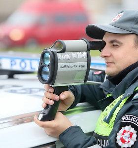 Policija pasidalijo gudrybe, kaip išvengti baudų už greičio viršijimą