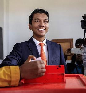 Madagaskaras renka naują parlamentą