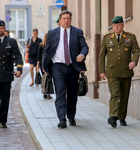R.Karoblis prašo prezidento kariuomenės vadą paskirti per 12 dienų nuo inauguracijos