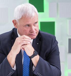 """Klaipėdos meras draudimą atvykti keltams vadina """"pusiniu"""", premjeras ragina nesistebėti"""