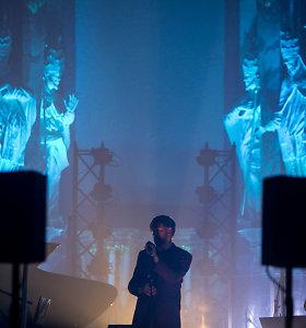 """""""Golden Parazyth"""" suskambo po bažnyčios skliautais: dėl antplūdžio vyko du koncertai iš eilės"""