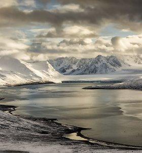 Svalbardo salyne sniego griūtis palaidojo du vokiečių turistus