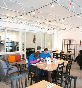 Žmones su negalia restorane įdarbinęs olandas sulaukė priekaištų iš neįgaliųjų – žada pasitempti