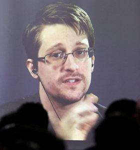 Edwardas Snowdenas jau nebesijaučia saugus jį priglobusioje Rusijoje