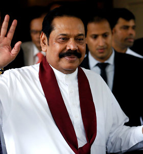 Šri Lankos teismas sustabdė premjero M.Rajapaksos įgaliojimus