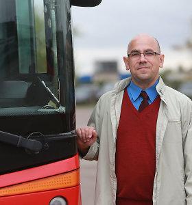 Broniaus iš vaikų namų istorija: vietoj kunigo sutanos – dešimtmetis vairuojant autobusą