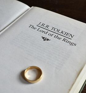"""""""Žiedų valdovui"""" – 65-eri: 65 įdomūs faktai apie šią knygą ir jos autorių"""