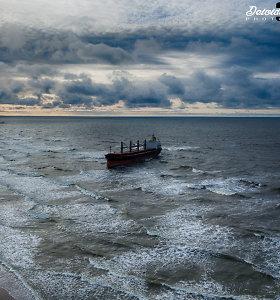 Uosto direkcija: laivas nuo seklumos nutemptas