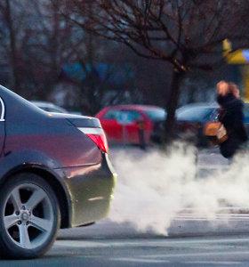 Automobilių registracijos mokestis jau kvėpuoja į nugarą: kas turėtų suskubti pasikeisti automobilius?