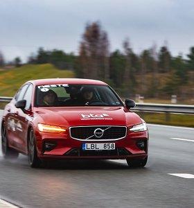 """Kuo ypatingas """"Tautos automobiliu"""" tapęs """"Volvo S60""""?"""