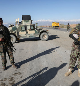 Žiniasklaida: Afganistano vyriausybė ir Talibanas pradėjo keistis belaisviais