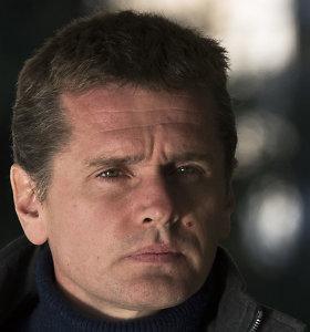 Kibernetiniais nusikaltimais įtariamas Aleksandras Vinikas paskelbė bado streiką