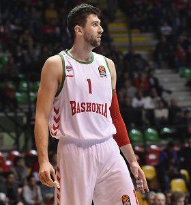 """Eurolygos sezoną baigusi """"Baskonia"""" pradėjo kapoti galvas: išsiskyrė su A.Bargnani"""