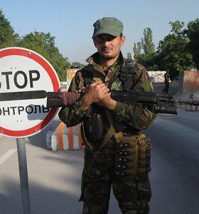 """Rusijos agresija Ukrainoje: po """"žaliųjų žmogeliukų"""" – """"žalieji lėktuvai"""""""