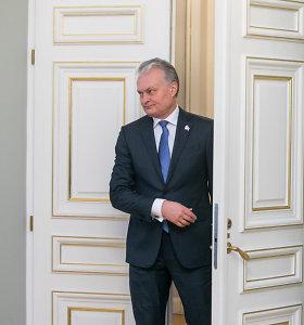 Prezidentas ragina A.Monkevičių sparčiau kovoti su korupcijos rizika įstaigose