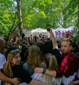 Marijampolės Interact klubas siekė masiškiausio grupinio apsikabinimo rekordo