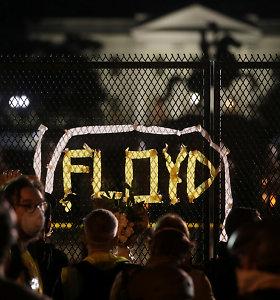 Feisbuke meluojama, neva dėl G.Floydo mirties kaltas JAV komikas