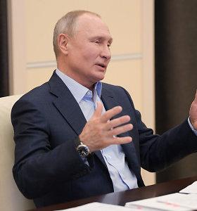 V.Putinas: Rusijoje koronaviruso pikas praėjo, Pergalės dienos paradas vyks birželį