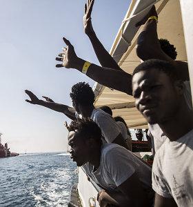 Viduržemio jūroje įstrigo 450 migrantų – Italija ir Malta nesutaria dėl jų priėmimo