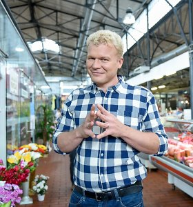 TV žinių vedėjas Marius Jančius po 10 metų santuokos skiriasi su žmona