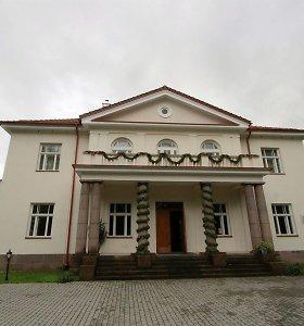 Dvaras Ukmergės rajone vilios neregėta pramoga – plaukiojančiais viešbučiais