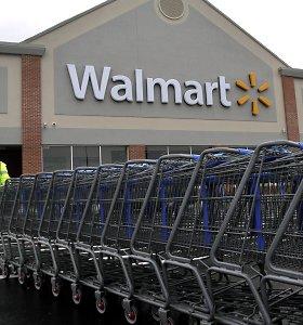 """""""Walmart"""" padavė į teismą """"Tesla"""" dėl užsidegusių saulės baterijų"""