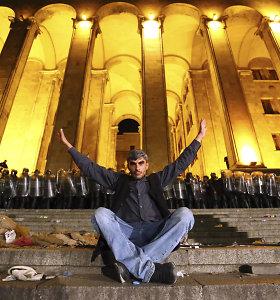 Kaip protestai prieš Kremlių Sakartvele virto nepasitenkinimu valdančiaisiais?