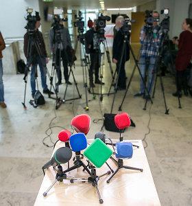 Pažaboti žurnalistus: valdančiųjų veiksmai ir gąsdina, ir juokina
