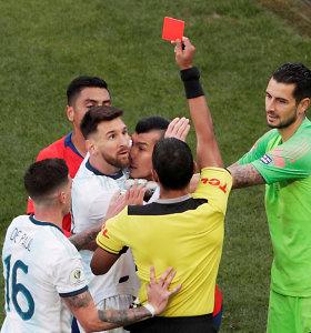 """Beprotiškas """"Copa America"""" bronzinis mačas: išvarytas L.Messi, A.Sanchezo trauma ir Argentinos triumfas"""
