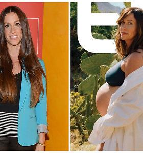 Dainininkė Alanis Morissette susilaukė trečios atžalos: vaiką pagimdė namuose