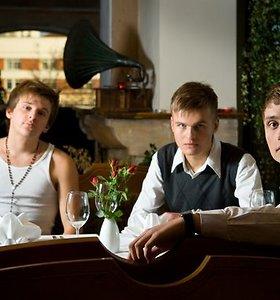 """Grupės """"3"""" vaikinus šokiruoja gerbėjų pasiūlymai"""