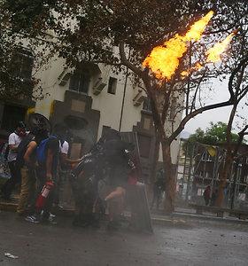 Eitynės Čilėje baigėsi padegimais ir susirėmimais