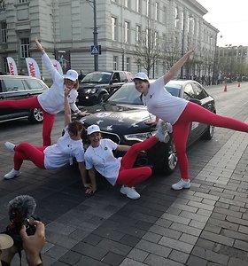 """Ekipažo """"Baltijos lotoprincesės""""automobilis """"Audi A6"""" išrinktas gražiausiu """"Moterų ralio"""" automobiliu"""