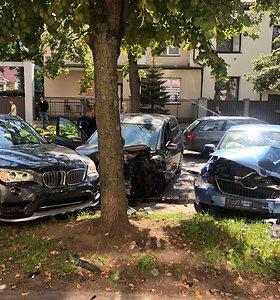 Vilniuje girtutėlis vairuotojas sukėlė 4 automobilių avariją: sužeisti du žmonės