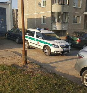 Vilniaus Pilaitėje neramios naktys BMW savininkams tęsiasi: išrautas vairas, sulaikyti įtariamieji