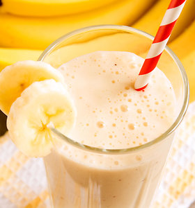 Ir pasotins, ir atgaivins: 10 puikių kokteilių su bananais