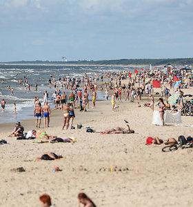 Rengiamasi smėliu pildyti Palangos paplūdimius
