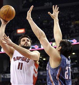 """Toronte Linas Kleiza sumetė 18 taškų, o """"Raptors"""" šventė seniai regėtą antrą pergalę iš eilės namuose"""