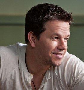 """Markas Wahlbergas veiksmo filme """"2 Ginklai"""""""