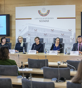 """Spaudos  konferencija """"Migrenos aktualijos pasaulyje ir Lietuvoje: kiek valstybei kainuoja galvos skausmas?"""""""