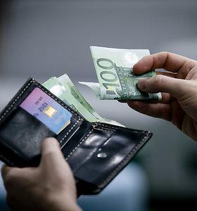 Šiauliuose prie Talkšos ežero iš moters rankų išplėšta rankinė su pinigais