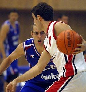 """Milošas Vujaničius baigė krepšininko karjerą ir papildė """"Partizan"""" trenerių štabą"""