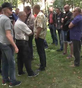 Astravo aikštėje – algų negaunantys atominės elektrinės statytojai