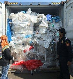 Kambodža skyrė 254 tūkst. JAV dolerių baudą plastiko atliekas atgabenusiai bendrovei